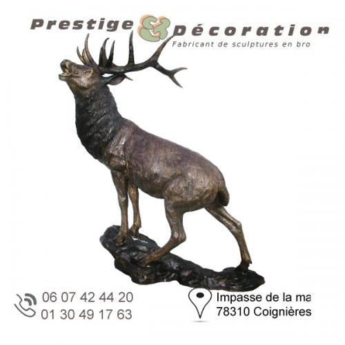 sculpture bronze cerf brame
