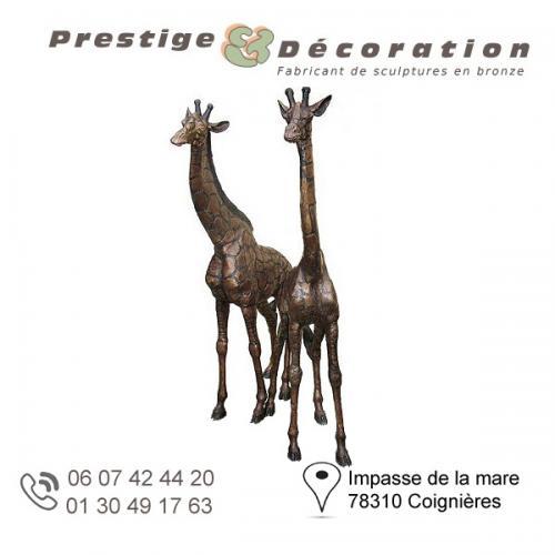sculpture bronze giraffe